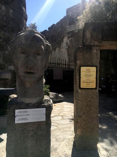 """<p><strong>8.</strong> Kale 1995 Yılında Avrupada Yılın Müzesi Seçilerek  """"Özel Övgü"""" almıştır. Halikarnas Balıkçısı ve Bodrum Kalesi, iki kalebent arka  arkaya.</p>"""