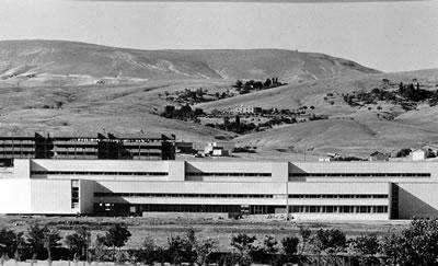 <p><strong>8.</strong> Elazığ Üniversitesi Kampüs Planlaması, Elazığ, 1972-77</p>
