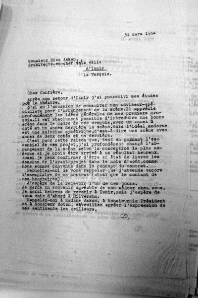 <p><strong>8.</strong> Dudokun Aşkana 31 Martta yazdığı mektup<br />   Kaynak: Stadsschouwburg  Izmir Turkije (ontwerp W.M. Dudok), NAi/DUDO 195K.34, 195M.101, Het Nieuwe  Instituut, Rotterdam. </p>