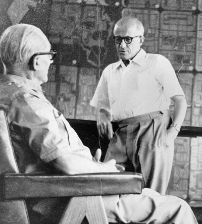 """<p><strong>8.</strong> Savaş sırasında ve sonrasında politik olarak yolları ayrıldıktan  sonra yeniden bir araya gelen faşist sempatizan Le Corbusier ile """"direnişçi ve  solcu"""" Pierre Jeanneret</p>"""
