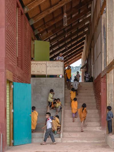 <p><strong>8.</strong> Birlikte Tasarlamak II, Marta  Maccaglianın kurucusu olduğu Semillasın yapılarından, Unión Alto Sanibeni  Çocuk Bakımevi ve İlkokulu<br />Kaynak: https://www.archdaily.com/935373/union-alto-sanibeni-nursery-and-primary-school-semillas [Erişim: 01.04.2021]