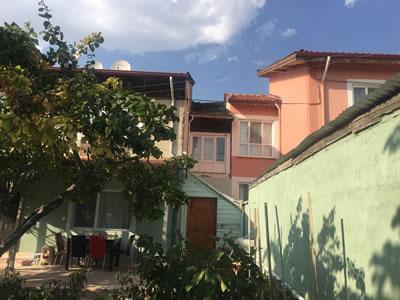 <p><strong>8b.</strong> Çorum  Binevler konut yerleşimi<br />   Fotoğraf: Güldehan  Atay, Eylül 2017</p>