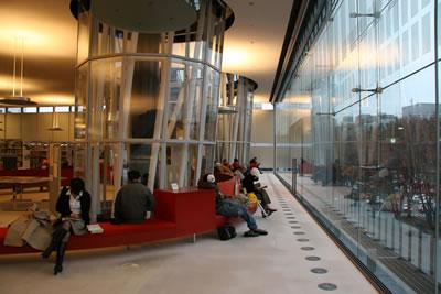 <p><strong>9. </strong>İç  Mekân Görünümü<br />Kaynak: Toyo Ito & Associates, Architects