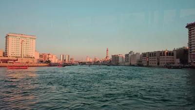 <p><strong>9.</strong>Dubai  Koyu genel görünümü, solda Deira, sağda Bur Dubai Bölgesi </p>