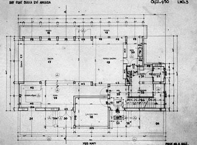 <p><strong>Resim  9a. </strong>Zemin kat ve  birinci kat uygulama planları<br />  Kaynak: Atalay-Franck, s.177</p>