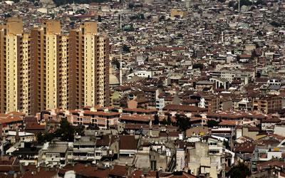 """<p><strong>9b.</strong> 2011  yılında Mimarlar Odası Bursa Şubesi tarafından düzenlenen """"TOKİ nin Bursa Kentine  Tokadı"""" konulu fotoğraf yarışmasında  2. (Gürsel Egemen Ergin)"""