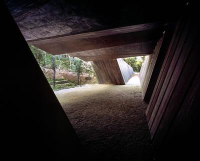<p><strong>9c. </strong>Bell–Lloc Şaraphanesi,  2007, Palamós, Girona, İspanya<br />Fotoğraf: Hisao Suzuki<strong></strong></p>