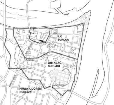 <p><strong>1. </strong>Koblenz  tarihî kent merkezi ve bugün mevcut olmayan surlar<br />Kaynak:  Imhof, 2013 ve çeşitli kaynaklardan derlenerek yazarlar tarafından çizilmiştir.<strong></strong></p>