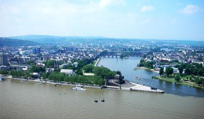 <p><strong>2.</strong> Koblenz Genel  Görünüş ve &ldquo;Deutsches Eck&rdquo;<br />  Fotoğraf:  D. Darby</p>