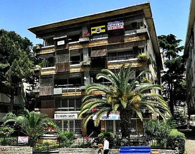 <p>Melih Koray Apartmanı</p>