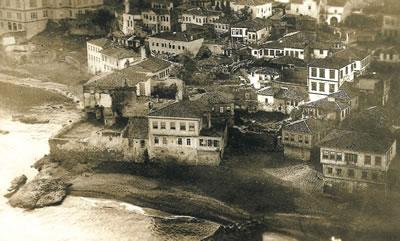 3. Devlet sahil yolu inşasından önce Trabzon sahil şeridi, 1950'ler, Kemerkaya Mahallesi (Kaynak: Bölükbaşı, 2006)